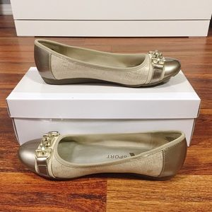 AK Anne Klein Sport Flat Shoes size 7 M